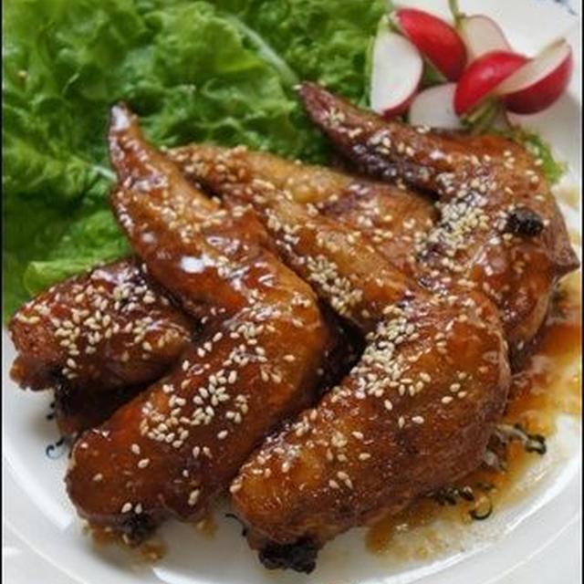 鶏手羽の唐揚げ。中華風に仕上げてみました♪と、先日のお土産。