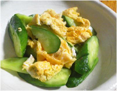 塩揉みきゅうりと卵の炒め物