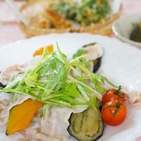蒸し野菜と豚しゃぶ肉のサラダ