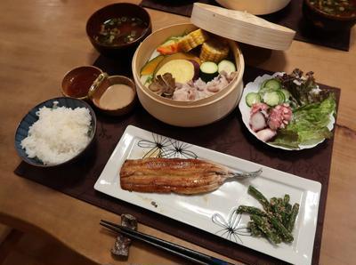 蒸し野菜&細身の秋刀魚で蒲焼の晩ご飯 と アスターの花♪