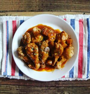 【簡単!炊飯器レシピ】レトルトカレーで♪とり手羽元のカレー煮込み