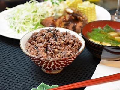 赤飯風雑穀ご飯 with とんかつ&ポテサラ