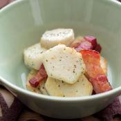 里芋のハウス 香りソルトイタリアンハーブミックスと厚切りベーコン炒め♪