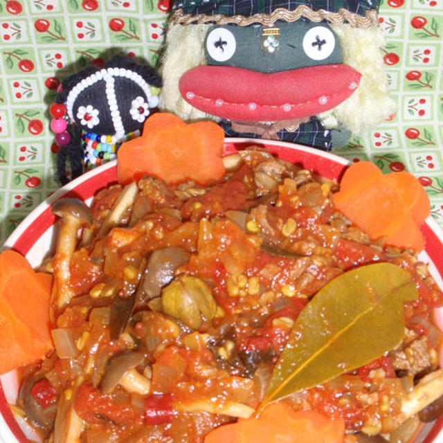 ケララ風キノコのキーマカレー&鮭トバのハニーマスタードポテサラ(お家カフェ)