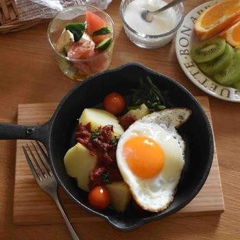 朝ごはんとお昼ごはん。