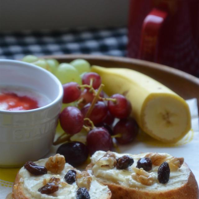 ストウブセラミックで「ワンプレート朝ごはん」アーラクリームチーズで♡