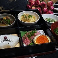 カレー味の麻婆豆腐を松花堂弁当で♪