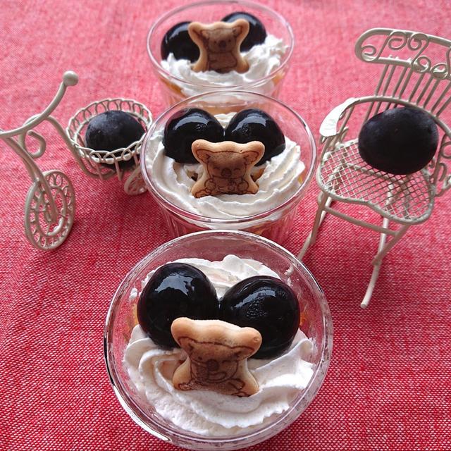 3分で簡単ぶどうのミニケーキコアラがぴょこん(デザート)