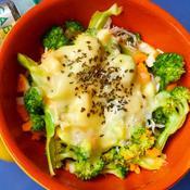 ブロッコリーとたまごのホットサラダ