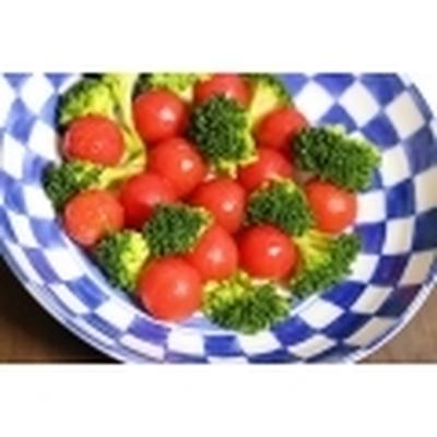 ≪プチトマトと ブロッコリーの クリスマスカラーサラダ≫
