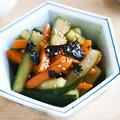 美腸。きゅうりとニンジンの黒酢海苔漬け