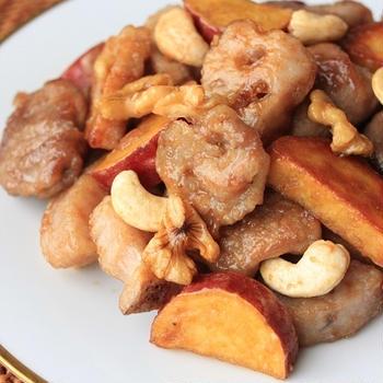 レシピ「根菜と豚肉とナッツの甘辛焼き」と久しぶりの天然酵母パン作りのこと。