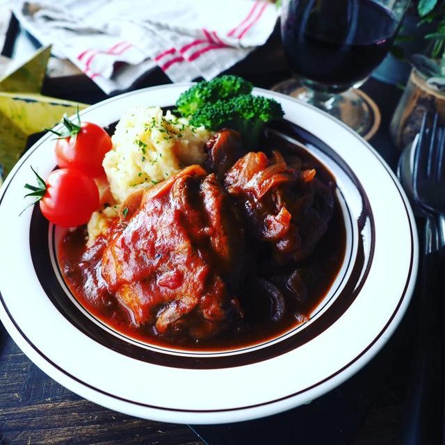煮込み色々❤️と、クリスマスディナーにも♪お家洋食❤️鶏もも肉のデミトマ煮込み♪