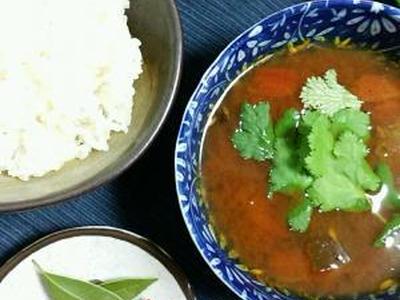 >野菜エキスたっぷり、酸味&辛みの養生スパイススープ。 by 香澄さん