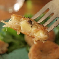 マッシュルームマッシュポテトの芋餅風。