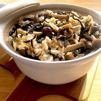 芽ひじき&塩こんぶの土鍋炊き込みご飯