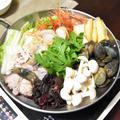 海鮮寄せ鍋。魚介も野菜も旬を頂くおだしがおいしいお料理。