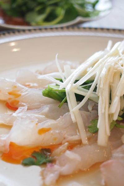 真鯛の中華風カルパチョ。