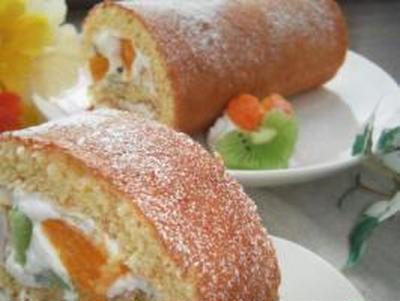甘酸っぱい♪フルーツ・ロールケーキ☆。。