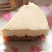 混ぜて固めるだけ〜バニラの香りの簡単レアチーズケーキ>