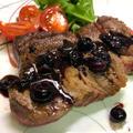 ステーキのブルーベリーソース