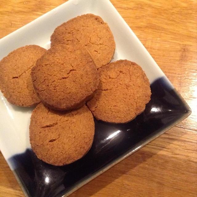 きなこと味噌でクッキーを作る冷やしていない 「アイスボックスクッキー」