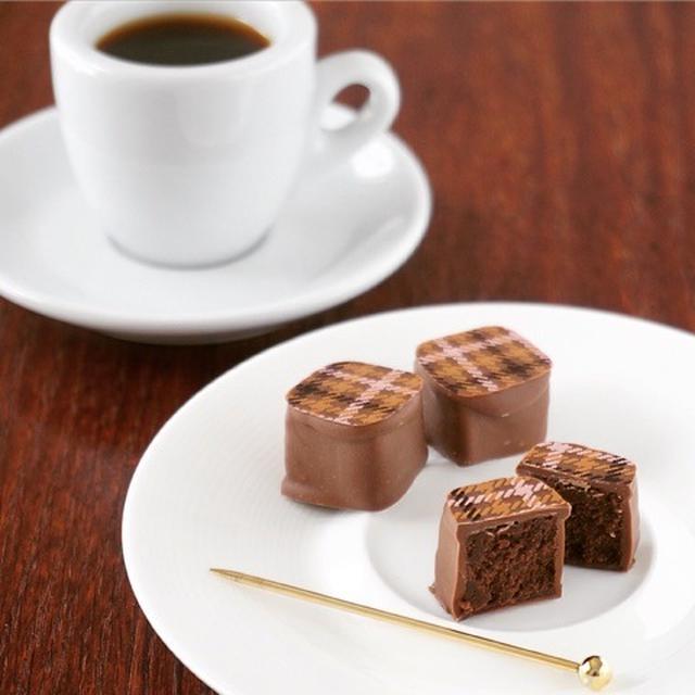 ② コーヒーガナッシュとミルクチョコのボンボンショコラ