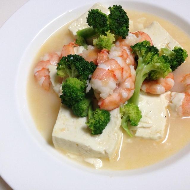 お豆腐と海老とブロッコリーのふんわり炒め