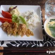 【簡単!!カフェごはん】鶏の香味ネギ塩焼きとニラ玉スープの定食など