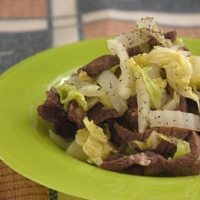 柚子でさっぱり☆牛タンと白菜の塩炒め。