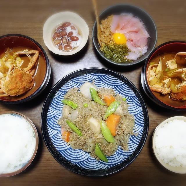 【家ごはん】 里芋のもやしひき肉餡 と 蟹のお味噌汁