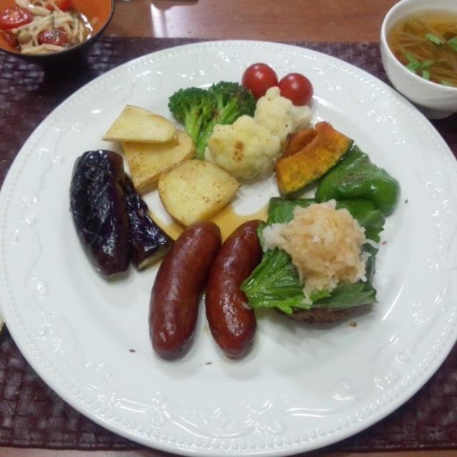 【お誕生日献立】ハンバーグ、ソーセージ燻製、グリル野菜、きのこマリネ、野菜スープ、パン、ミルクレープ