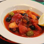 たこと2種のオリーブのクミン風味*トマト煮込み