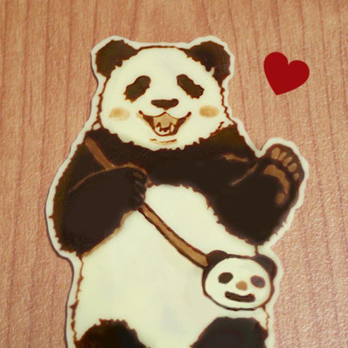 テーブルに置かれた白黒パンダのキャラチョコ