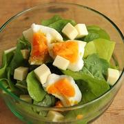 簡単・柚子胡椒ドレッシング♪ルッコラと茹で卵のサラダ