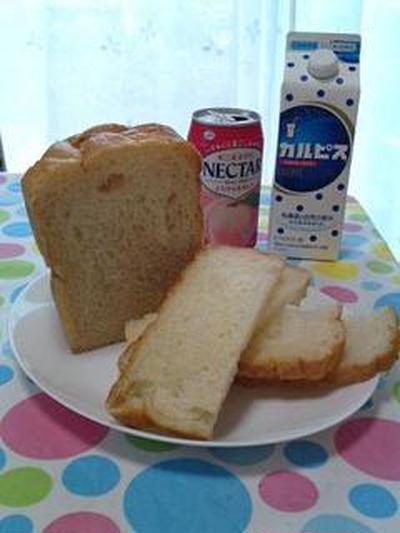 冷やして美味しい♪桃とカルピスの冷やしパン