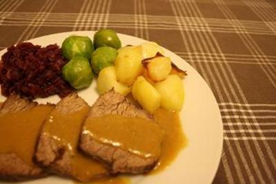 牛肉のロースト ホースラディシュソース