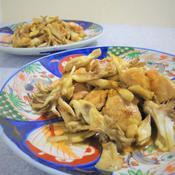 鶏肉と茸のスパイス炒め、ガラムマサラの香り
