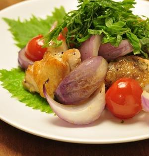 鶏肉と紫玉ねぎのシンプルソテー