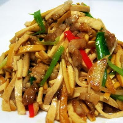 豆干炒肉絲│岩豆腐と豚肉の中華風炒め