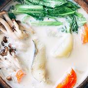 野菜たっぷり、タラのミルクスープ鍋