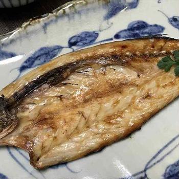 自家製かます干物・牡蠣オイル煮・きんぴら蓮根・スナップエンドウカニカマ・焼海苔紅鮭子