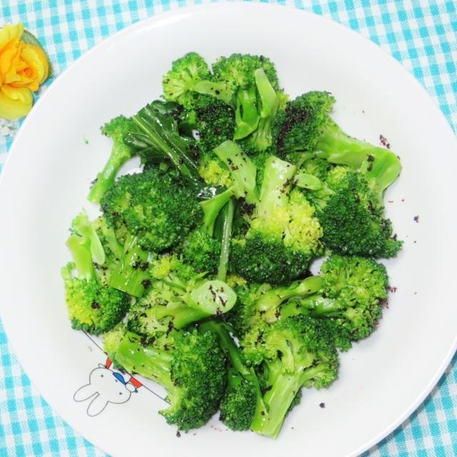 野菜不足の時につけ合わせ☆ブロッコリーのゆかりオリーブオイル和え