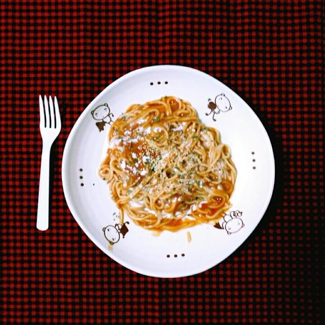 ケチャップで作るお手軽トマトクリームパスタ。