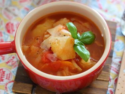 >調味料2つで【野菜がとろけるトマトスープ】 &ポテトサラダの彩りUPのコツ by 小春さん