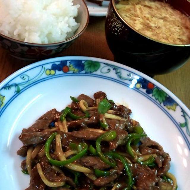 """チンジャオロース """"青椒肉絲"""" ~ ご飯がすすむ♪"""