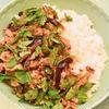 豚と夏野菜のバジル炒め丼