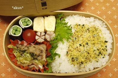 ちょっとお疲れ^^; 手抜きの肉野菜炒め弁当