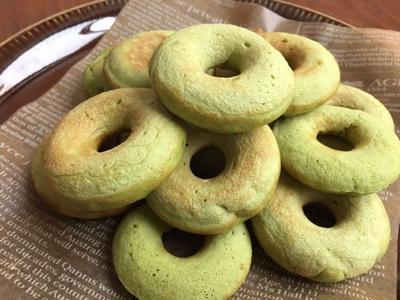鮮やかグリーン青汁ドーナツ♪モンスターがブログにやってくる♪ 青汁