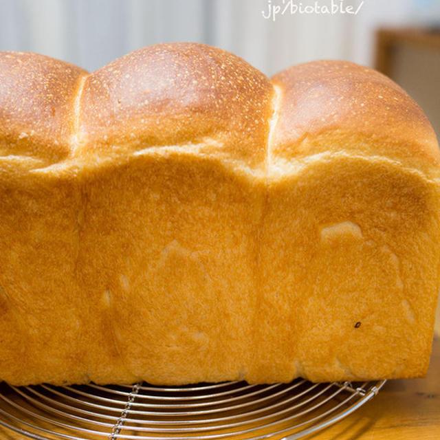 りんご酵母で。焼きたて最高〜!湯種食パン。【レシピ記録】